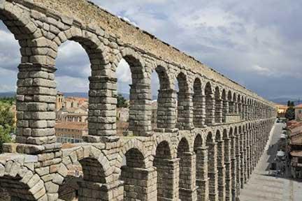 11259434-roman-aqueduct-in-segovia